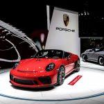 """پورشه 24 میلیون دلار در """"سوخت الکترونیکی"""" برای اتومبیل های اسپرت سنتی سرمایه گذاری کرده است"""